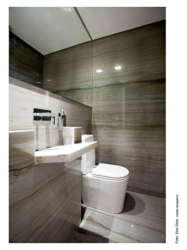 Banheiro em mármore Mont Blanc Brasigran em apartamento residencial Sidney Prime – Salvador/BA. Fotografia: Xico Diniz.